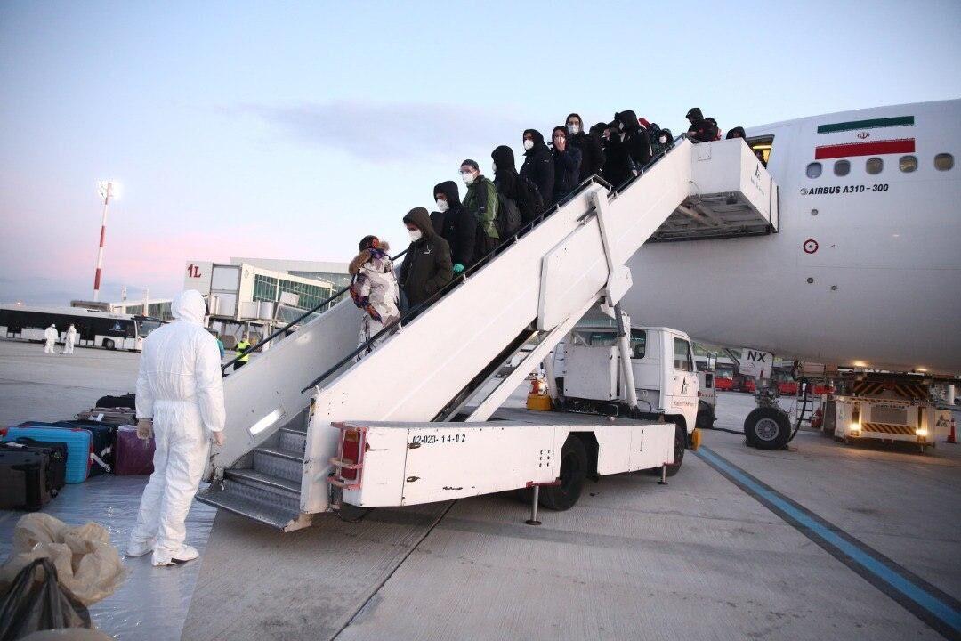 وزارت بهداشت: اولین تست کرونا فردا از دانشجویان ایرانی بازگشته از چین گرفته می گردد