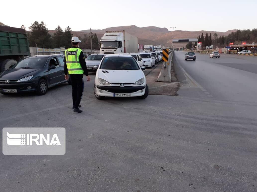خبرنگاران کنترل 390 خودروی غیربومی در همدان