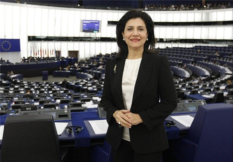 یونان و اروپا همچنان بر سر دو راهی ابهام