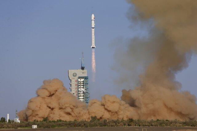 پرتاب ماهواره به فضا توسط چینی ها