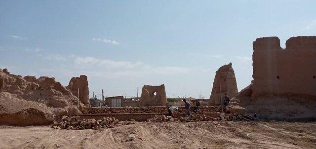 قفل بازسازی قلعه سده شکسته شد