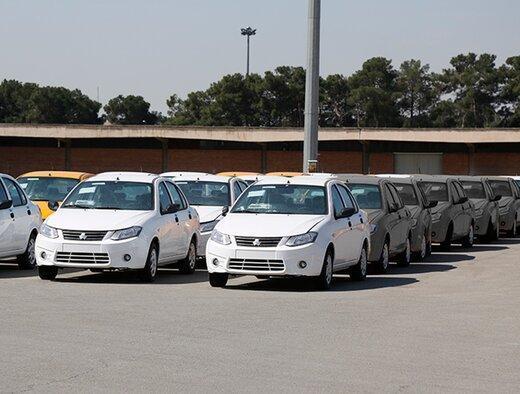 ترافیک سنگین خودروها در پارکینگ خودروسازها