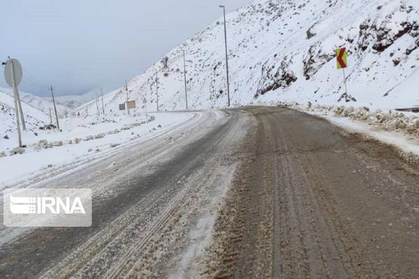 خبرنگاران آماده باش سازمان ها برای بارش برف در گیلان