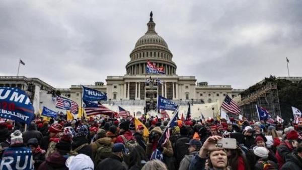 خبرنگاران جایزه 75 هزار دلاری پلیس آمریکا برای پیدا کردن مظنونان بمب گذاری کنگره