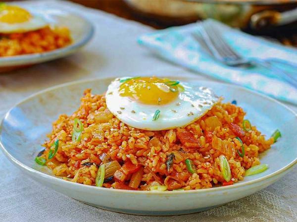 چگونه در کمتر از 10 دقیقه غذای کره ای بپزیم؟