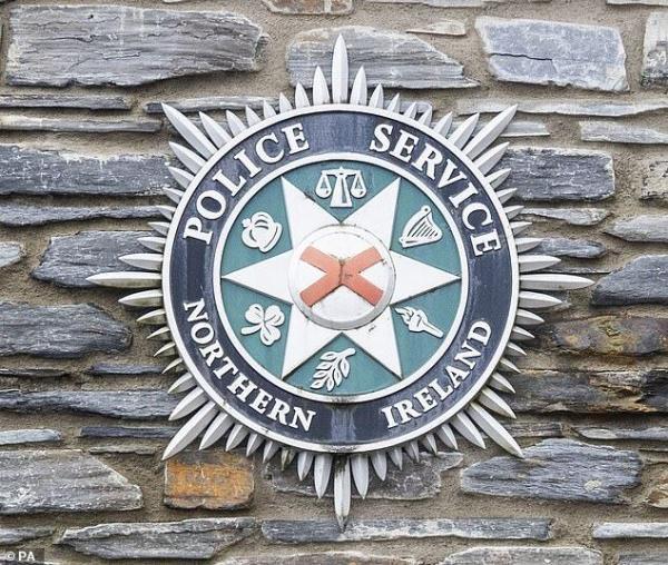 خبرنگاران کشف بمب زیر خودروی مامور پلیس ایرلند شمالی