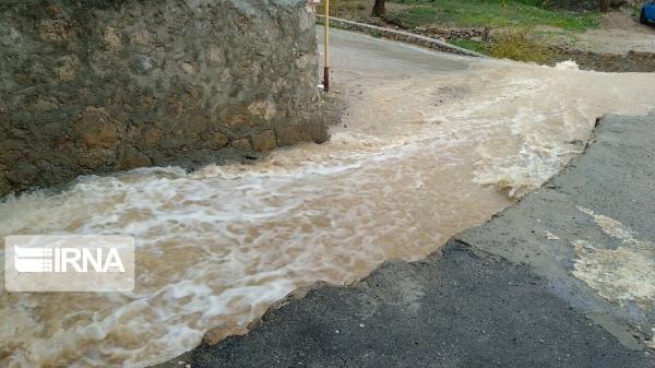خبرنگاران هواشناسی یزد نسبت به جاری شدن سیلاب در رودخانه های فصلی هشدار داد