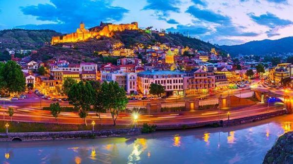 زیباترین جاهای دیدنی تفلیس؛ از قلعه های تاریخی تا رودخانه زیبای متکواری