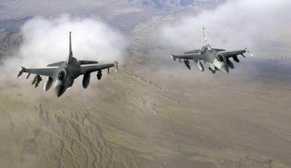 حملات وحشیانه سعودی ها به چهار استان یمن، درگیری خونین میان نیروهای وابسته به امارات در عدن