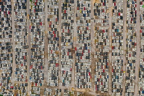 قبرستان خودروهای سیل زده در چین
